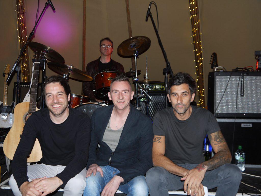 wedding band glasgow daytura look at camera